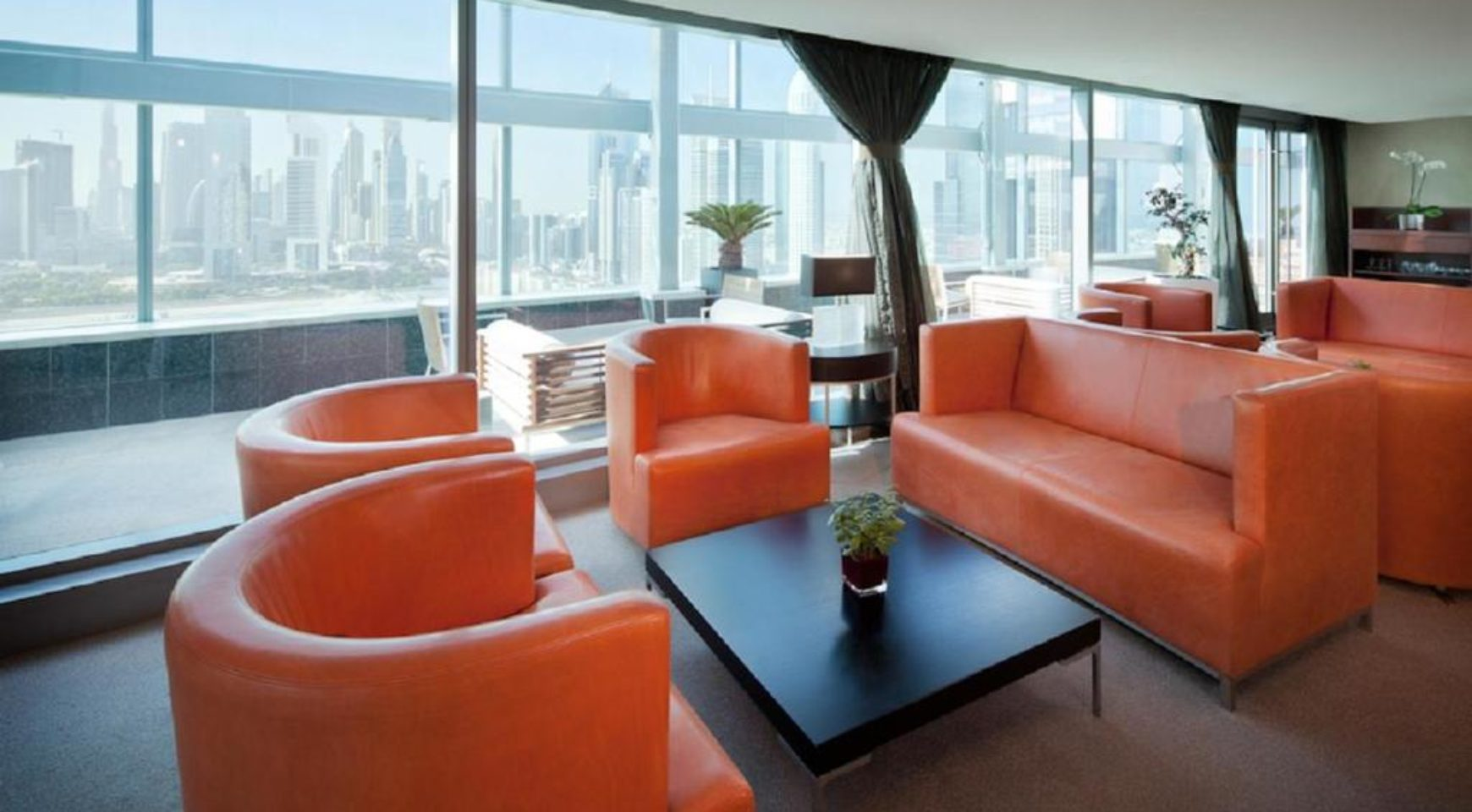 Jumeirah living world residence suites and hotel for Best hotels in dubai for couples